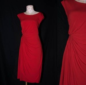 - Dresses - Red dress with cinched waist